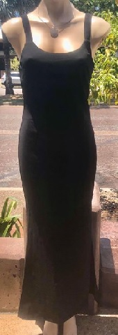 Black Fitted with slit Maxi S8,10 Red S6,8,10