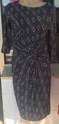 Grey Diamond Print Sleeved Dress S10,12,14,16,18
