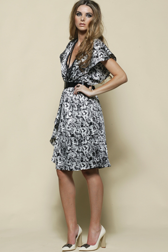 Blk and White print Dress S12,16/18